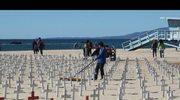 Przejmująca instalacja nad brzegiem Pacyfiku w Santa Monica