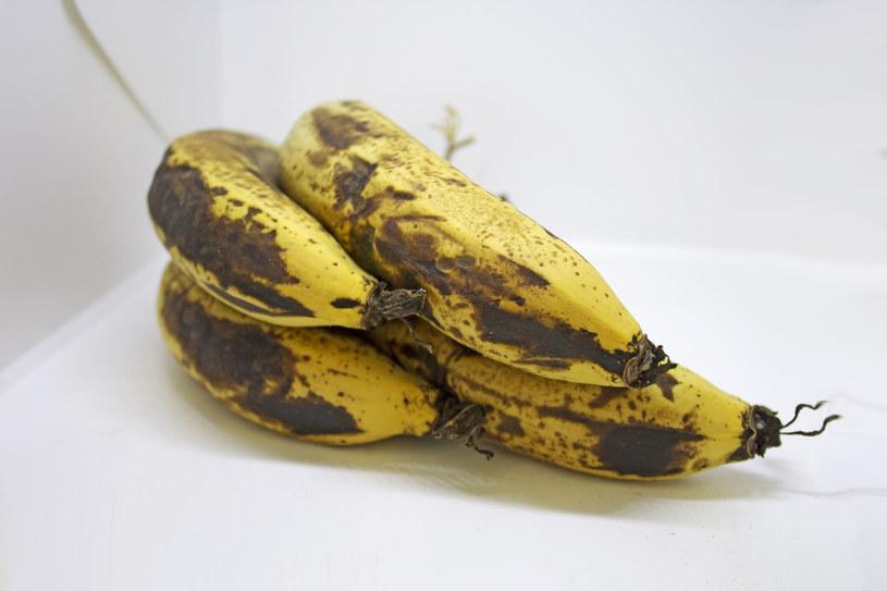 Przejrzałe banany są niezastąpione przy wrzodach żołądka /123RF/PICSEL