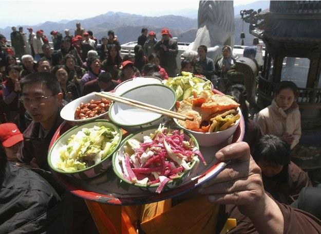 Przejście na 5 dni w tygodniu na dietę wegetariańską jest korzystne dla organizmu /Getty Images/Flash Press Media