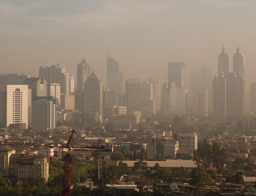Przejście na ogrzewanie elektryczne pomoże zwalczyć zatruwanie atmosfery toksycznymi wyziewami? /Monkey Business Images /© Glowimages