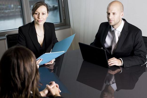 Przejście przez rozmowę kwalifikacyjną, to jeszcze nie koniec procesu rekrutacji /123RF/PICSEL