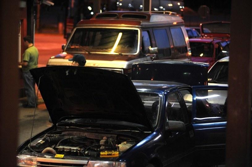 Przejście w Bezledach. Do tej pory strażnicy mogli sprawdzić stan techniczny, ale dowód zatrzymywała policja /Wojciech Stróżyk /Reporter