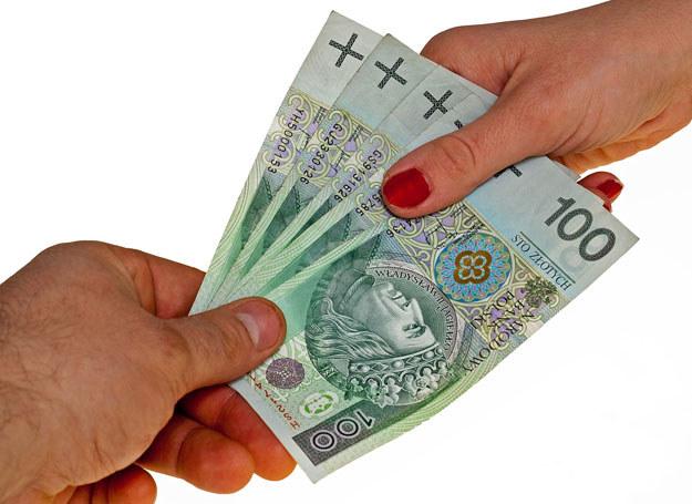 Przekazywane osobom funkcyjnym w RZI łapówki sięgały kilkudziesięciu tysięcy złotych / Zdjęcie ilustracyjne /123RF/PICSEL