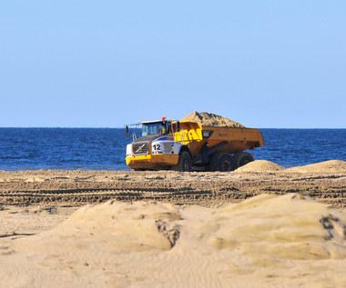 Przekop Mierzei Wiślanej: Trwa budowa portu osłonowego