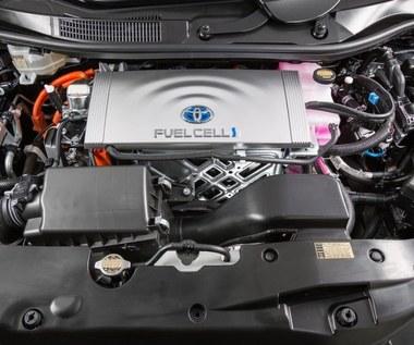 Przełomowe odkrycie Toyoty. Koniec z paliwem z ropy naftowej?