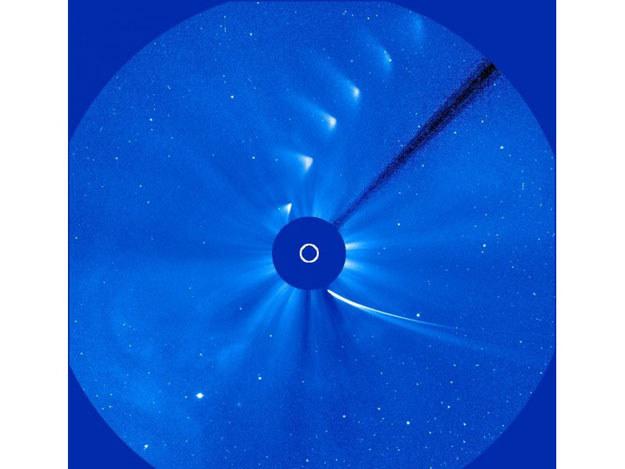 Przelot komety ISON obok Słońca /NASA