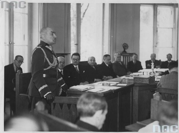 Przemawia Felicjan Składkowski. Zdjęcie z 1938 roku /Z archiwum Narodowego Archiwum Cyfrowego