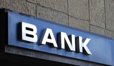 Przemeblowanie bankowej sceny