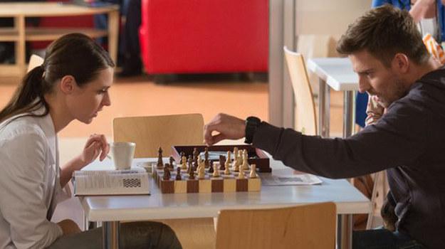 Przemek i Zuza znów zbliżą się do siebie dzięki szachom! /www.nadobre.tvp.pl/