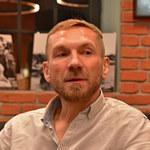 Przemek Kossakowski czuje się zagubiony! Gwiazdor TVN szczerze o emocjach