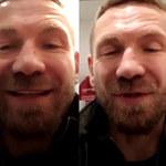 """Przemek Kossakowski w środku nocy połączył się z fanami. Siedział na sedesie i bełkotał! """"Ciężko mówić"""""""