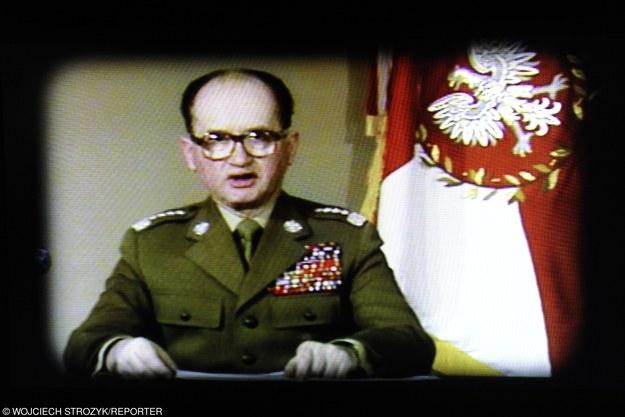 Przemówienie telewizyjne gen. Wojciecha Jaruzelskiego informujące o wprowadzeniu stanu wojennego /Wojciech Strozyk/REPORTER /East News