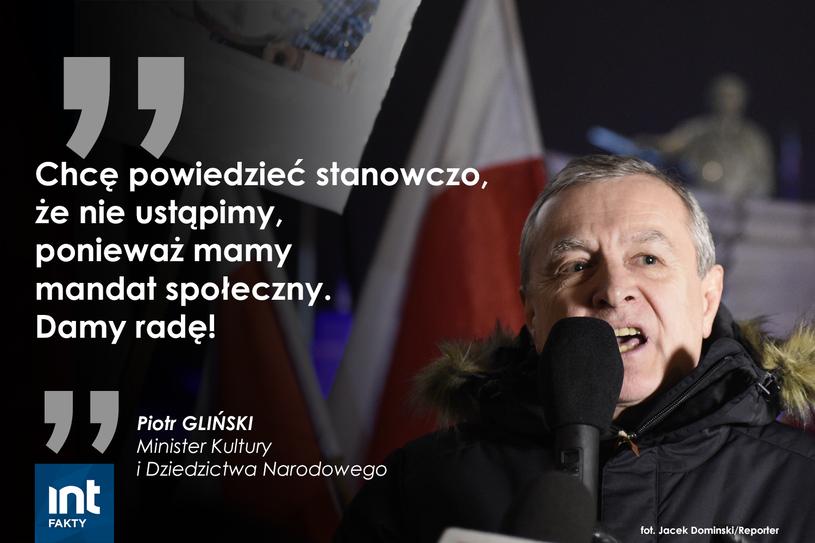 Przemówienie wicepremiera Piotra Glińskiego przed Pałacem Prezydenckim w Warszawie /INTERIA.PL