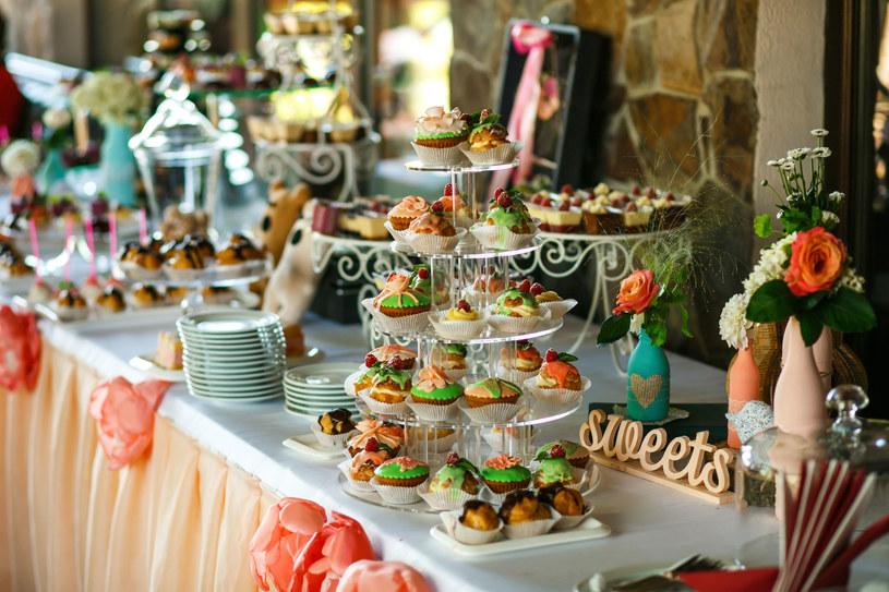 Przemyślana degustacja to gwarancja sukcesu podczas wesela /123RF/PICSEL