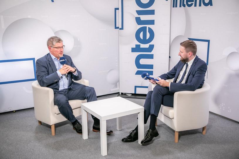 Przemysław Kurczewski, zastępca dyrektora NCBR w studiu Interii /Fot. Ireneusz Rek /INTERIA.PL