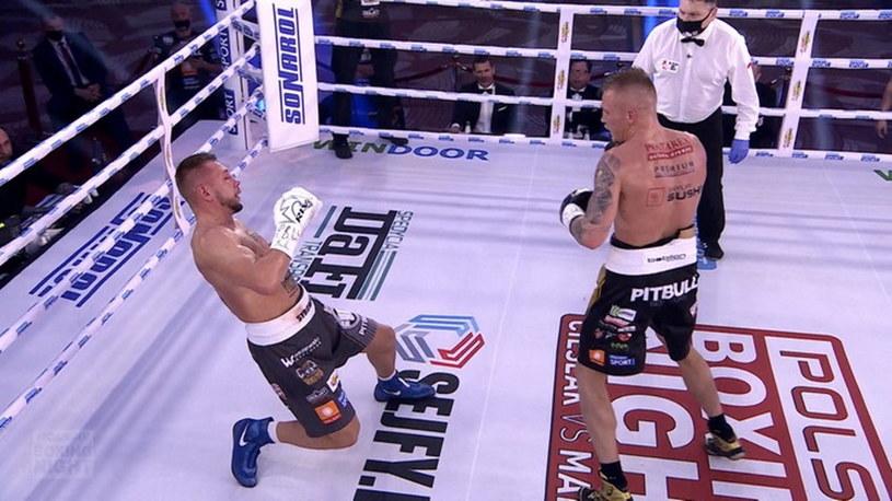 Przemysław Runowski bezwzględnie wykończył Michała Syrowatkę /Polsat Sport