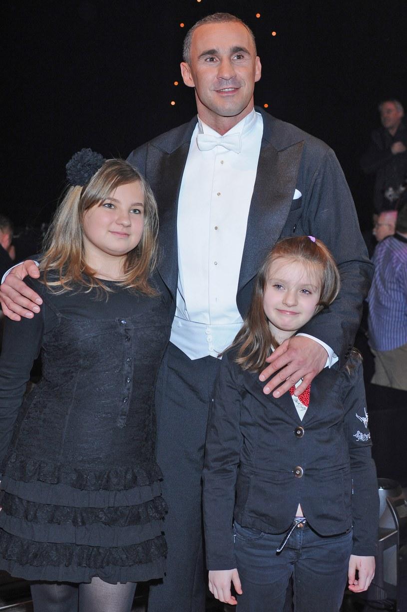 Przemysław Saleta z córką Nicole i Nadią /Andras Szilagyi /MWMedia