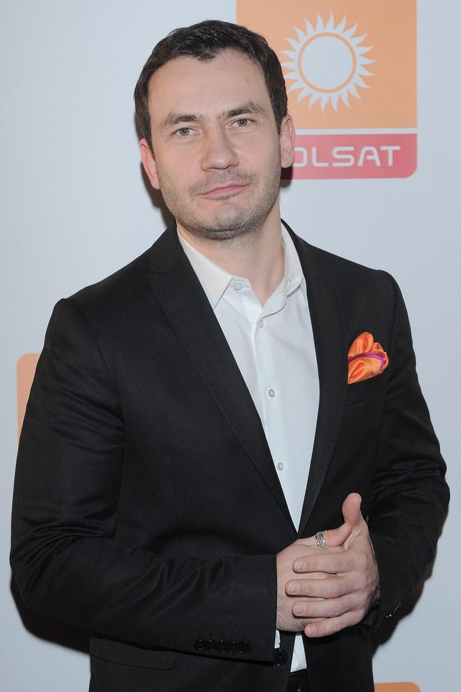 """Przemysław Talkowski jest prowadzącym program """"Państwo w państwie"""" /East News"""