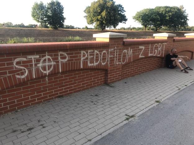 Przemysław Witkowski w miejscu, gdzie został pobity /Mateusz Czmiel /RMF FM