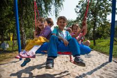 Przepiękny plac zabaw wraz ze ścieżką edukacyjno-sportową w Dobroszycach