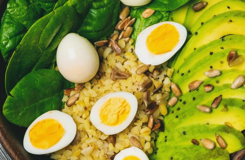Przepiórcze jaja to bardzo wdzięczny produkt kulinarny! /123RF/PICSEL