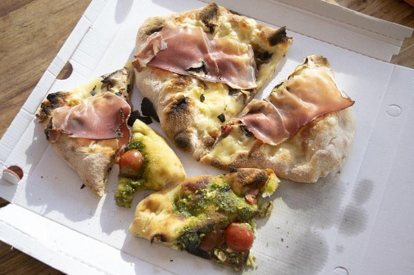 Przepis na domową pinsę, czyli rzymską pizzę /123RF/PICSEL