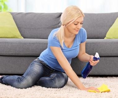 Przepis na domowy środek do czyszczenia dywanów oraz tapicerki