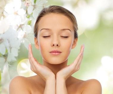 Przepis na naturalne chusteczki do oczyszania twarzy