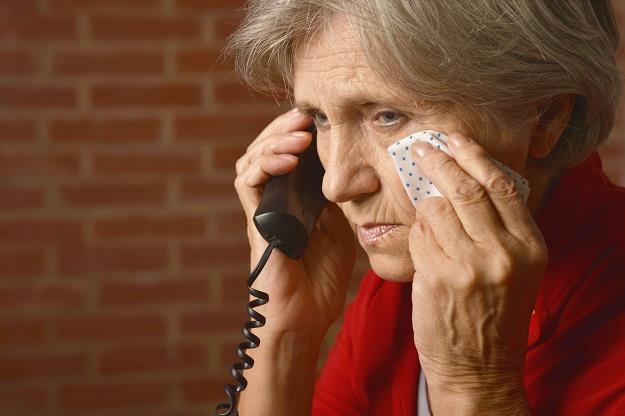 Przepisy, które miały ukrócić nękanie konsumentów przez telefon czy e-mail, pozostają martwe /©123RF/PICSEL