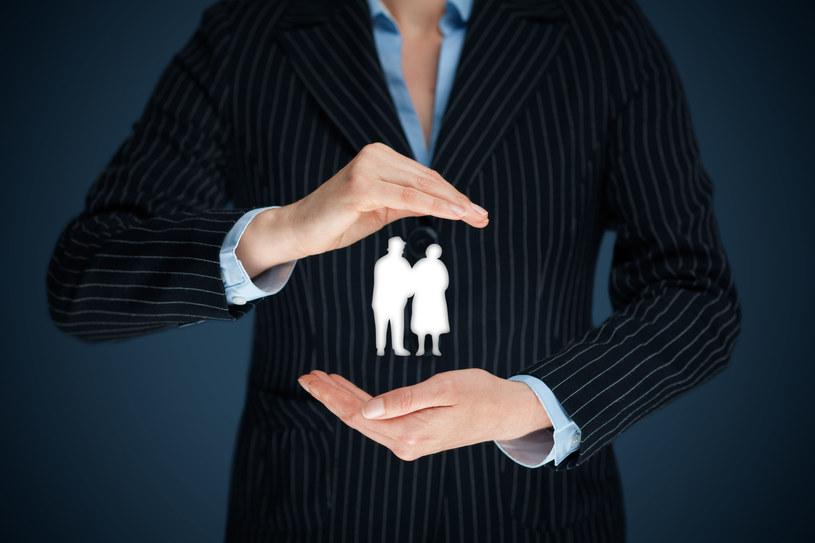 Przepisy nie chronią emerytów przed pętlą zadłużenia. /123RF/PICSEL