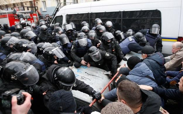 Przepychanki w czasie zatrzymania Saakaszwilego /STEPAN FRANKO /PAP/EPA