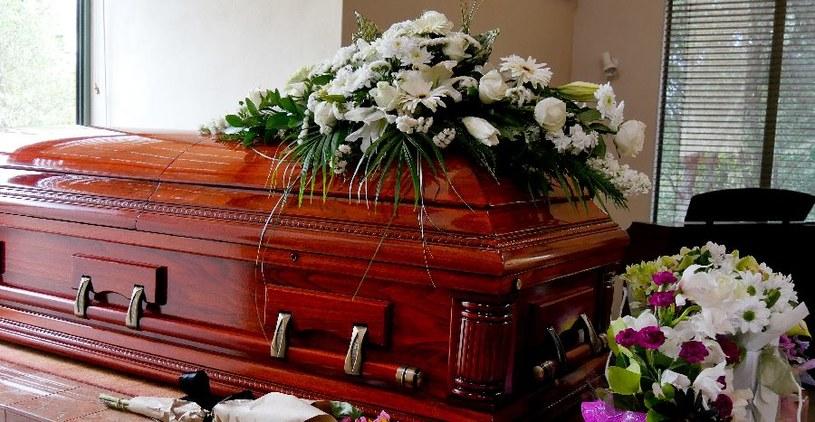 Przesłanką może być pogrzeb /©123RF/PICSEL