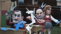 Prześmiewcze rzeźby na ulicach Hiszpanii