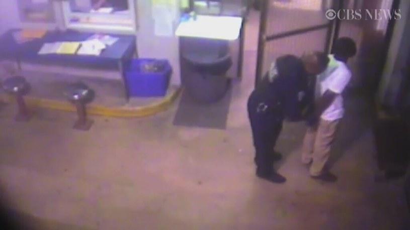 Przestępca z Florydy uratował życie policjantowi, który go aresztował /US CBS/x-news
