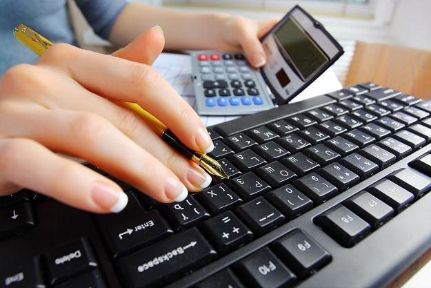 Przestępcy wykorzystują obecnie rachunki bankowe /©123RF/PICSEL