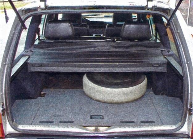 Przestrzeń bagażowa jest ogromna — 1115 I przy normalnym położeniu tylnej kanapy, 2130 I po jej rozłożeniu. /Motor