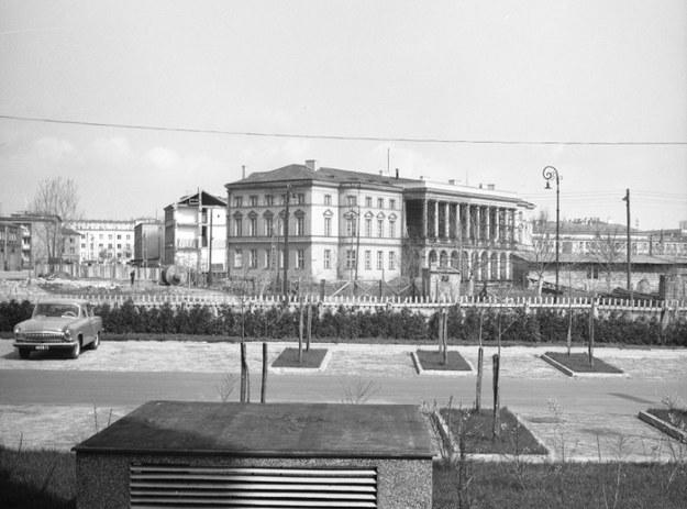 Przesuwanie Pałacu Lubomirskich w Warszawie /Z archiwum Narodowego Archiwum Cyfrowego