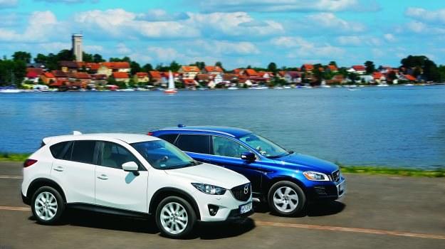 Prześwit Mazdy CX-5 to 21 cm, Volvo XC60 jest pod tym względem lepsze o 2 centymetry. /Motor