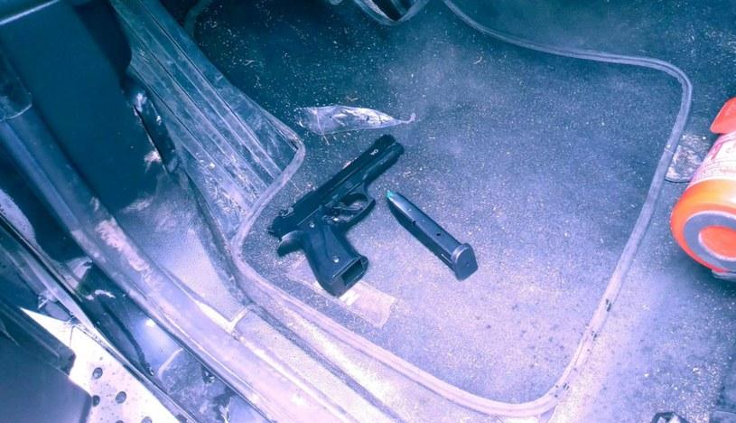 Przeszukanie samochodu porywacza /materiały prasowe