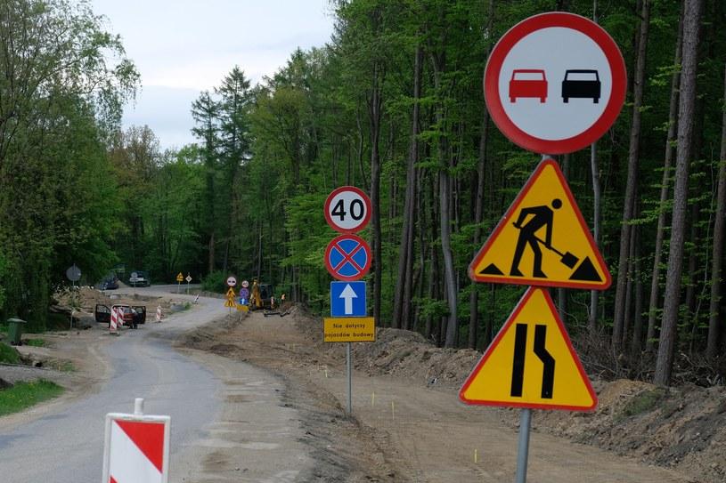 Przetargi omijają wszyscy - policja, zarządy dróg... /Łukasz Solski /East News