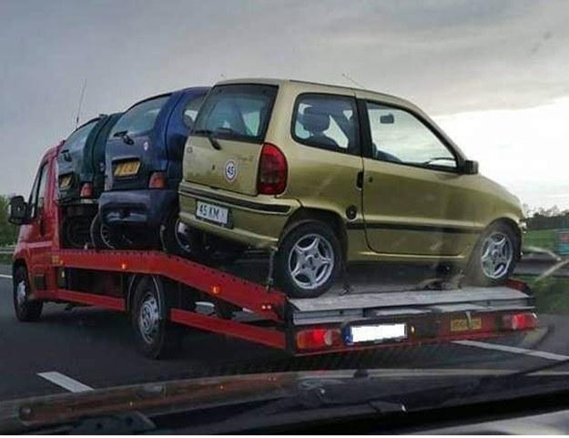 Przewaga małych autek