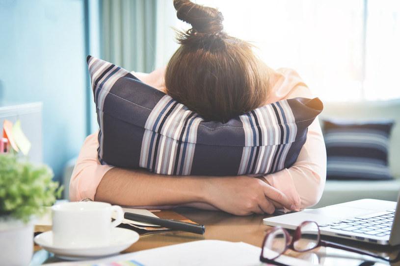 Przewlekłe zmęczenie to obajw wielu schorzeń /©123RF/PICSEL