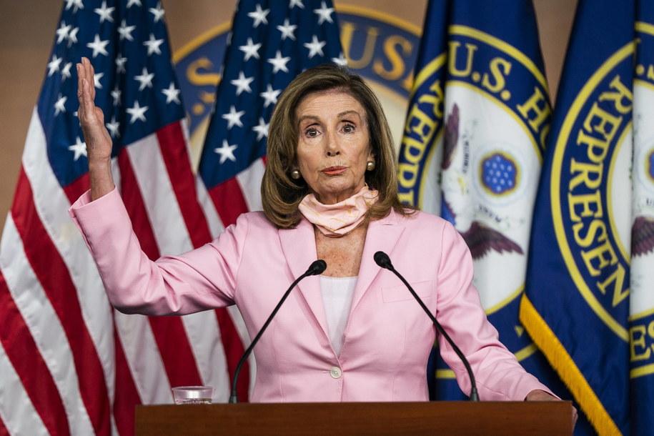 Przewodnicząca Izby Reprezentantów USA Nancy Pelosi /JIM LO SCALZO /PAP/EPA