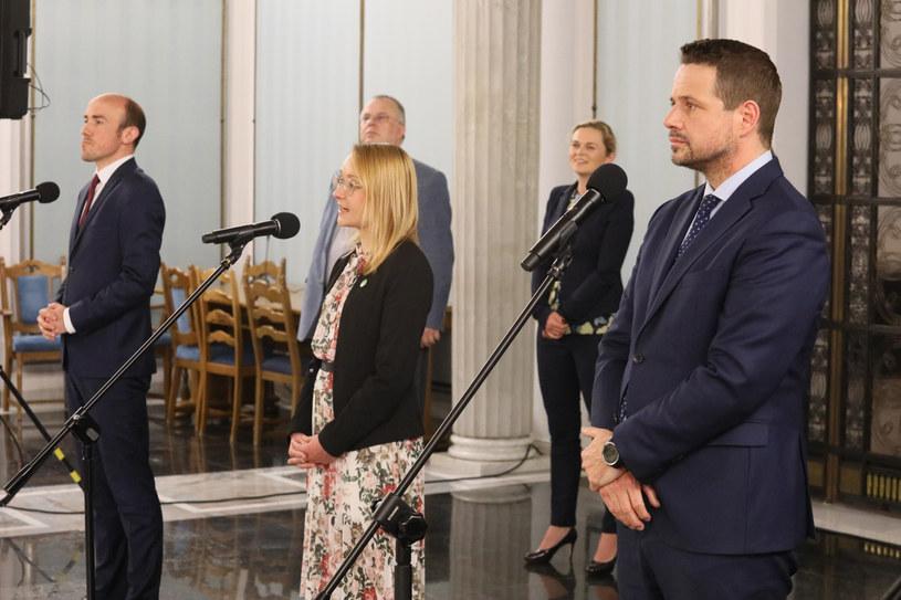 Przewodnicząca Zielonych Małgorzata Tracz (w środku) i Rafał Trzaskowski (z prawej) / Jakub Kamiński    /East News