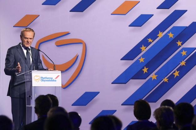 Przewodniczący Europejskiej Partii Ludowej, współzałożyciel PO Donald Tusk przemawia podczas posiedzenia Rady Krajowej Platformy Obywatelskiej /Wojciech Olkuśnik /PAP