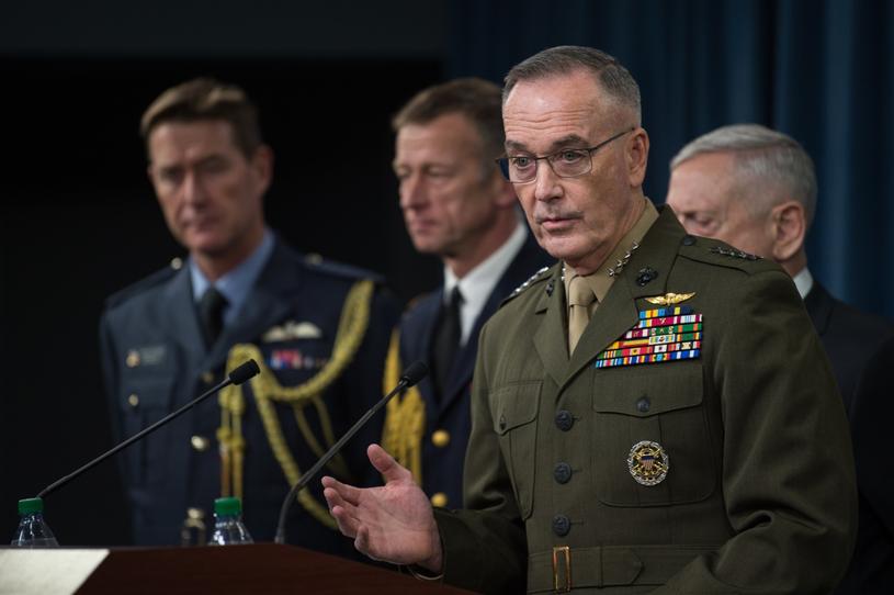 Przewodniczący kolegium szefów sztabów sił zbrojnych USA gen. Joseph Dunford /PAP/EPA