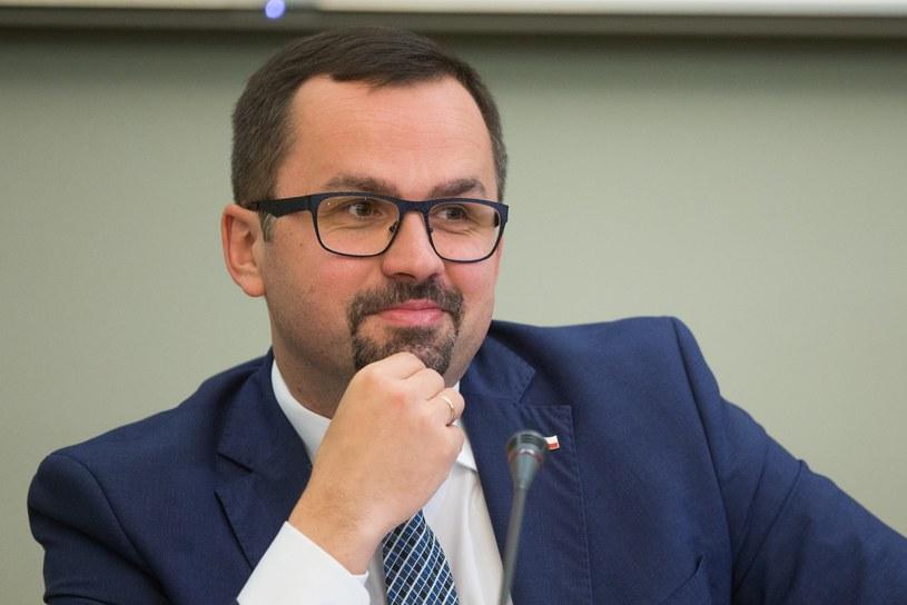 Przewodniczący komisje śledczej ds. VAT Marcin Horała z PiS /Tomasz Jastrzębowski /Reporter