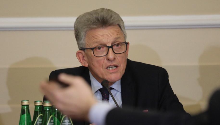 Przewodniczący komisji Stanisław Piotrowicz /Tomasz Gzell /PAP