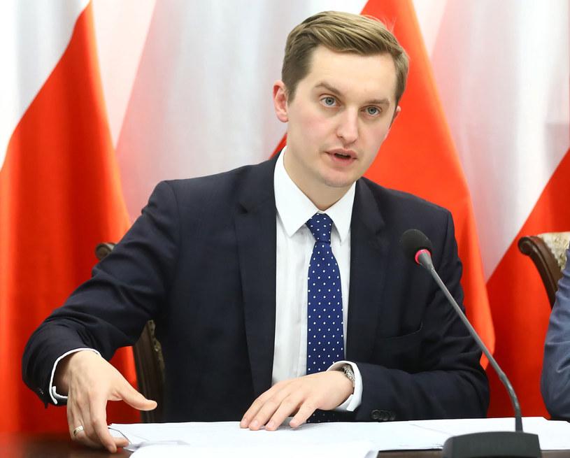 Przewodniczący komisji weryfikacyjnej ds. reprywatyzacji nieruchomości warszawskich Sebastian Kaleta /Rafał Guz /PAP