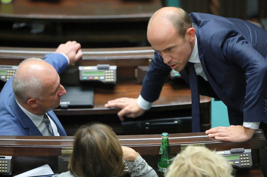 Przewodniczący PO Borys Budka na sali obrad podczas drugiego dnia posiedzenia Sejmu /Wojciech Olkuśnik /PAP